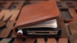 iPhoneSE手帳型ケース