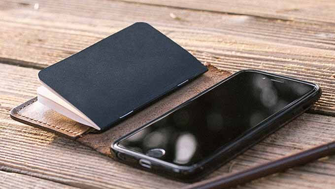 iPhone手帳型ケース