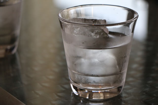 浄水器からでた水