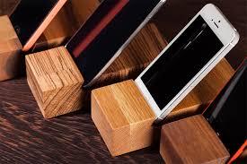 木製スマホスタンド