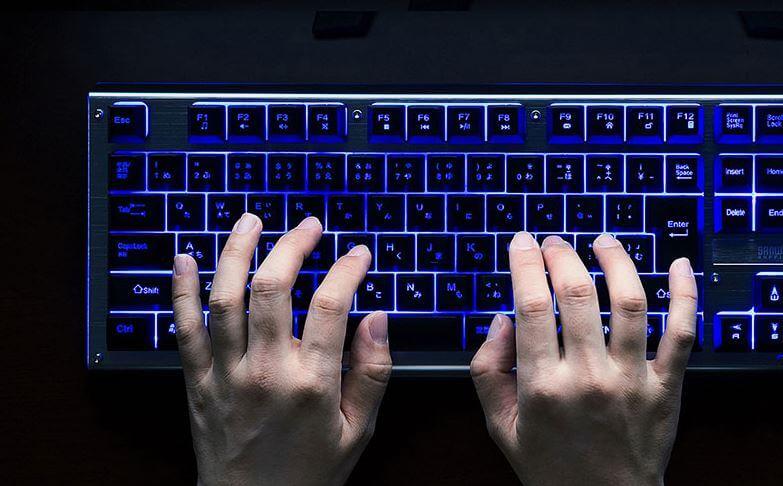 LEDゲーミングキーボード「SKB-WAR3」
